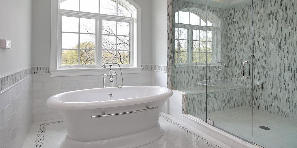 Witte metrotegels badkamer